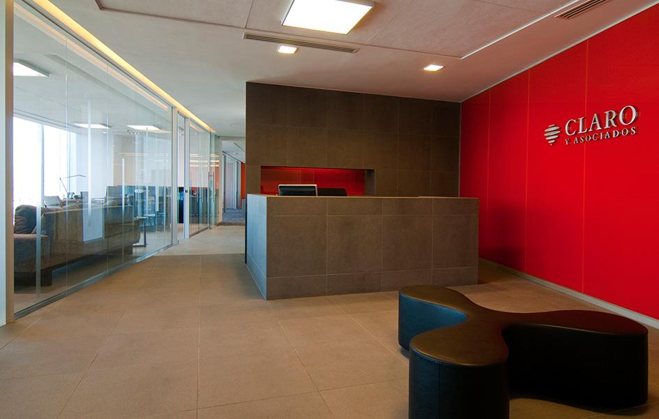 Armas elton arquitectos oficinas claro y asociados for Horario de oficina naviera armas